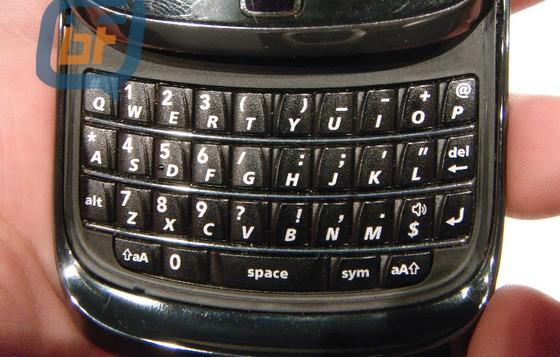 BlackBerry Bold 9800 slider - in photos