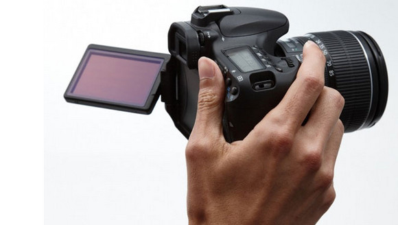 Canon EOS 60D dSLR offers fold out screen and HD video