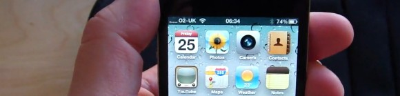 The iPhone 4 'grip of death' affects UK o2 user too (video)