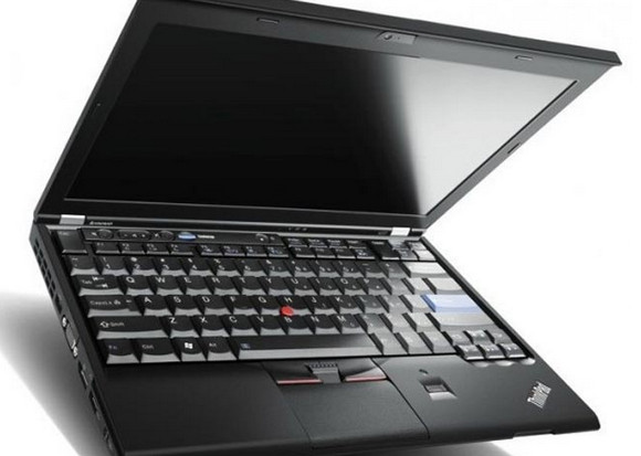 Lenovo ThinkPad X220 picks up rave review, feels much love
