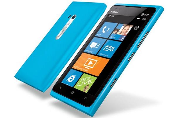 Nokia Lumia 900 - 4.3-inch AMOLED, 4G LTE running Windows Phone 7.5 (Mango)