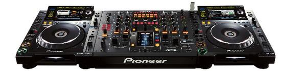 Pioneer DJM-2000 Mixer: the don of DJ mixers?