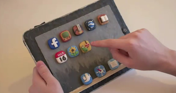 Woman makes interactive iPad out of plasticine [vido]
