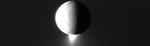 Saturn and its moons: awesome NASA photos