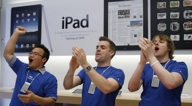 Apple's hype machine predictably sets up publicity-generating queues for the new iPad