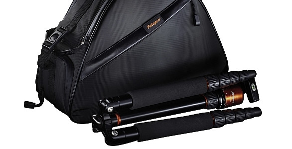 Rollei Fotopro TT-1 kit packs a tiny tripod into a compact camera bag