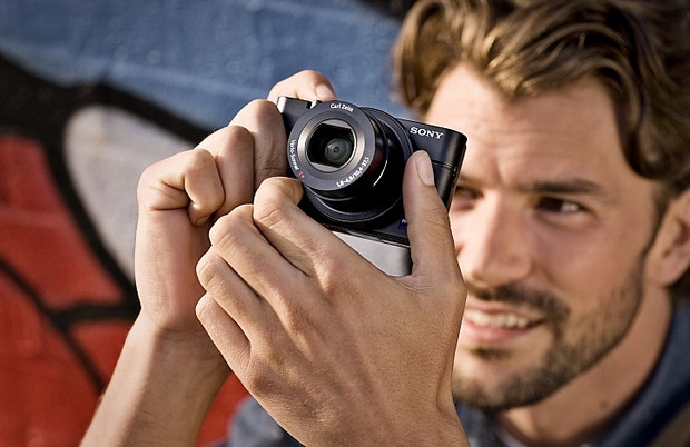 Sony Cyber-shot RX100 enthusiast compact packs 20MP, fast f1.8 lens and large sensor