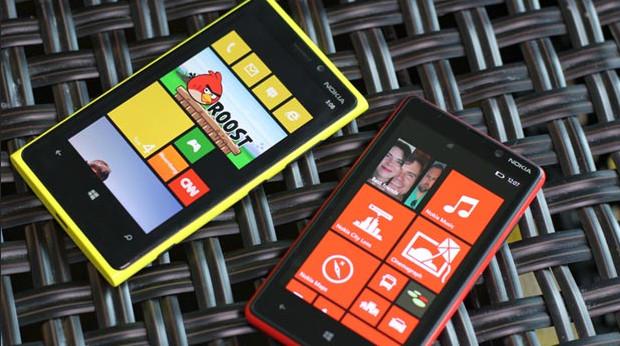 Nokia unveils Lumia 820 and 920 Windows Phone smartphones