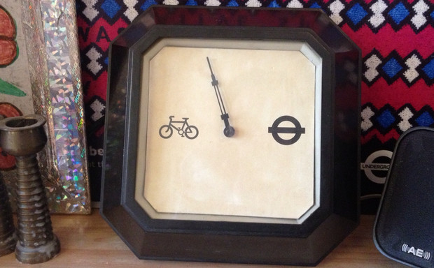 Bicycle barometer lets London commuters decide between taking the bike or the tube