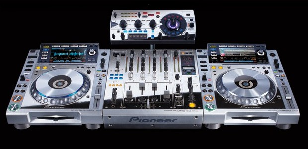 Pioneer unveil hideously tacky Platinum Edition CDJ-2000nexus multi-player, DJM-900nexus mixer and RMX-1000 Remix Station