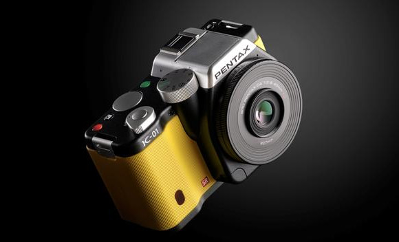 Pug-ugly Pentax K-01 designer camera gets booted into touch