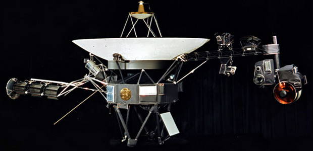 Voyager 1 becomes the first spacecraft to leave the solar system