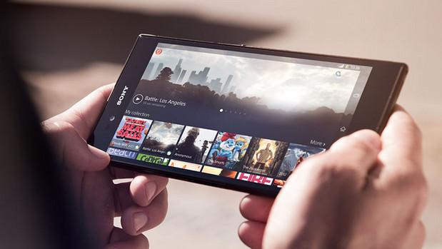 Sony Xperia Z Ultra packs massive 6.3″ screen and novel Bluetooth accessory