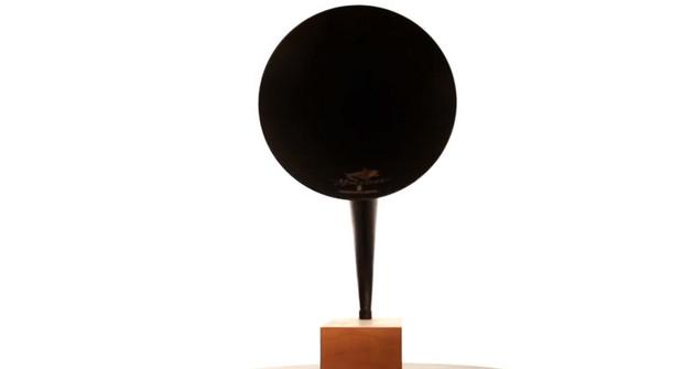 Gramovox Bluetooth gramophone horn goes beyond retro