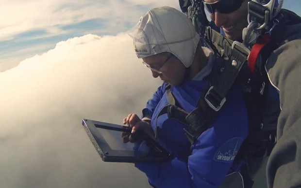 Skydiver builds website as he parachutes in fabulously pointless publicity stunt