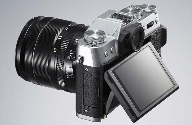 Fujifilm X-T10 compact system camera packs APS sensor and luscious retro styling